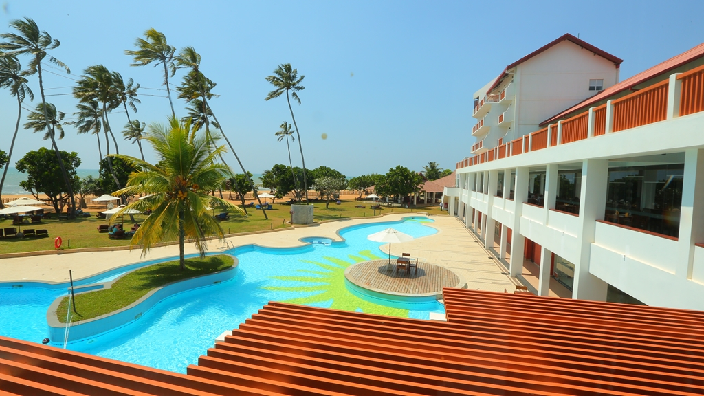 day13- hotel the sands by aitkenspence